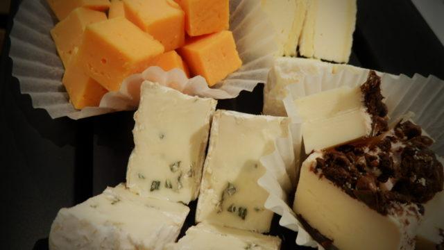 祝解禁!ボジョレーワインにあうチーズセットをご用意しました。